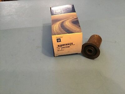 GM OEM Rear Suspension-Spring Bushing 14027938