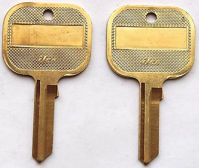 Lot of TWO Kwikset Key Blanks UNCUT Hotel Style by Ilco 1176 Arthritis
