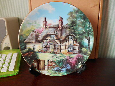Hamilton Collection plate from English Country Cottages  Ginger Cottage