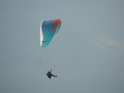 Paraglider, Advance IOTA 90-115Kg EN B. Low Hours, very good condition, Rucksack