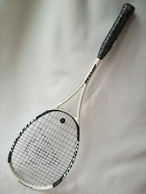 Dunlop Hotmelt Pro Squash Racket 470sq.cm headsize. Hotmelt graphite contruction