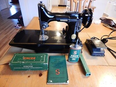 Vintage 1952 Singer Featherweight 221-1 Sewing Machine Many Extras