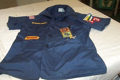 Cub Scout Uniform Blue Shirt Youth Medium with some Patches