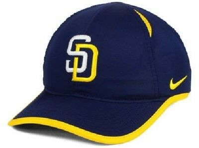 outlet store 04c15 a14ef San Diego Padres MLB Nike Featherlight Aerobill Adjustable Hat