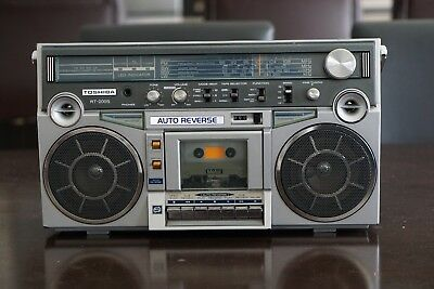 Vintage Toshiba RT-200S Stereo Cassette Tape Deck Player Bombeat Boombox