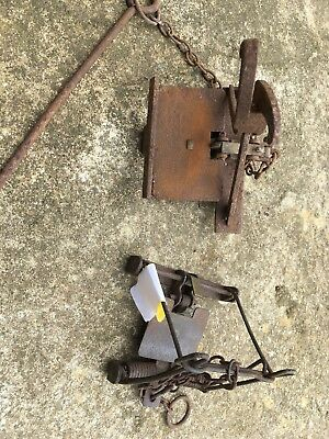 2 x vintage /Antiques traps (for display/collectors purposes only)