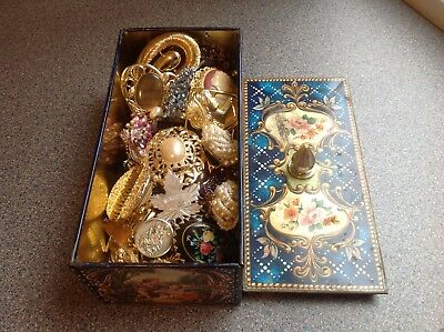 Job Lot Of Mixed Vintage  Collectable Jewellery.