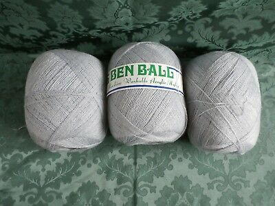 3 ply light grey knitting wool 850 grams