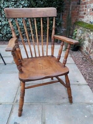 Beautiful and Comfortable Antique Oak Chair with Arms