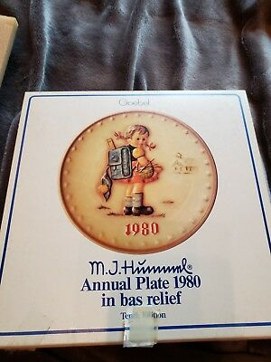Vintage 1980  Goebel MJ Hummel 10th Annual Plate Hand Painted (Hum 273)  Germany