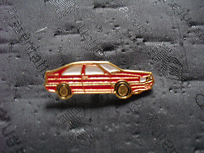 Pin Anstecknadel Audi Coupe in rot