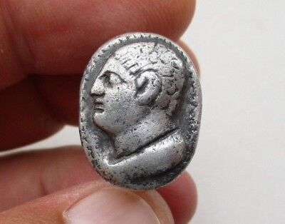 ancient Roman solid silver ring with engraved a face of nobleman