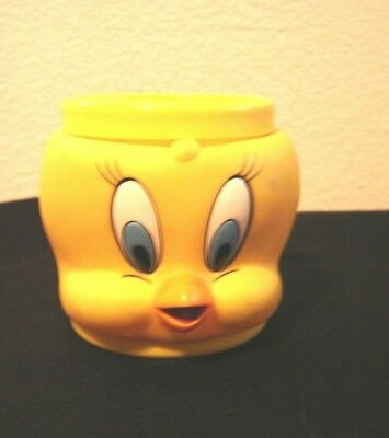 KFC- Looney Tunes- Warner Bros.-1992 Promotional  Tweety Bird Plastic Mug