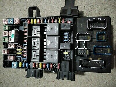 2005 - 2006 Ford F-150 Fuse Junction Box Relay Power 5L3T-14A067-CC