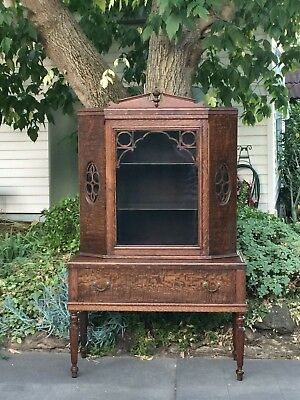 Gorgeous Antique Silky Oak Bookcase / Display Cabinet!