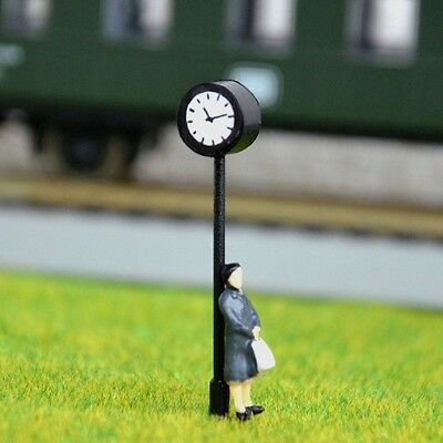 S587 - H0 Station Clock with Ledlighting Height 4cm Watch for Railway Station