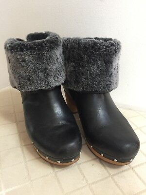 538a37bfbcc UGG LYNNEA CLOG Ankle Boots Black Leather/Gray Shearling Cuff Sz 8