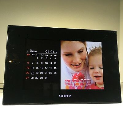 "Sony DPF-D95 9"" Digital Picture Frame + 8gb SD card + USB cable + Free Shipping"