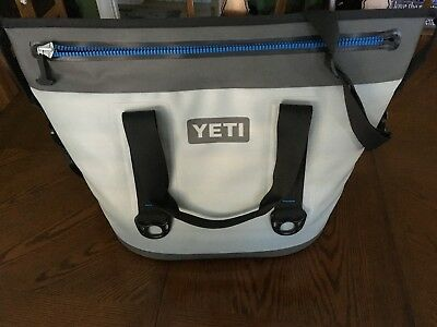 Yeti Hopper 30 Rugged Soft-sided Leakproof Ice Chest Cooler - Gray