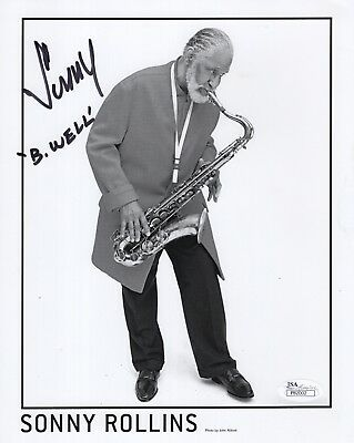 SONNY ROLLINS HAND SIGNED 8x10 PHOTO         GREAT POSE WITH SAXOPHONE      JSA
