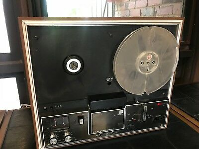 reel to reel tape player recorder