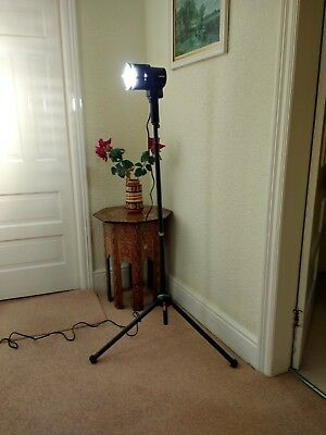 1000w Wotan Video, Movie and Studio Light with Stand and 5 Spare Bulbs