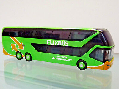 RIETZE 69041 - H0 1:87 Bus - Neoplan Skyliner ´11 Flixbus-Dr. Richard(AT) - NEU