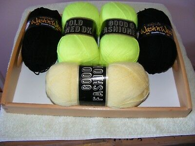 500 Grams Knitting Wool  / New / 2 Green 2 Black And 2 Lemon