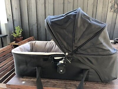 Baby Jogger Bassinet , Excellent Condition