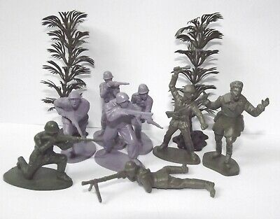 """Plastic toy soldiers. WW II Soldiers. """"Partisans"""". 1/35 & 1/32 mm."""