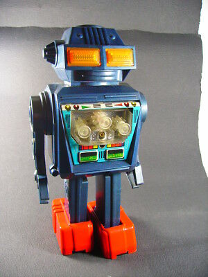 """SH Junior Toys """" ROBOT space  Dynamic fighter smoke  Battery toy Operated (Japan"""