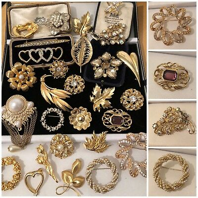 Job Lot Vintage Gold Tone Jewellery Brooches Hearts, Flowers, Leaves etc x28