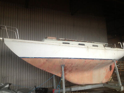 Twister 28ft LOA long keel sailing yacht boat - will accept offers - please call