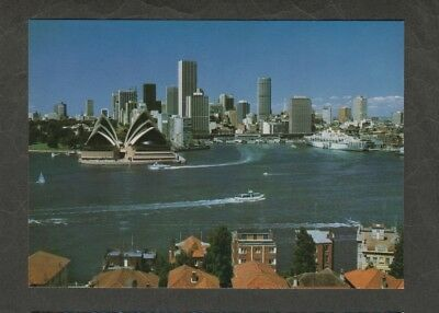 e3111)      POSTCARD OF  SYDNEY  & HARBOUR  IN  N.S.W.  AUSTRALIA