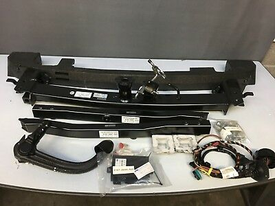 Mercedes W209-Complete original hitch -New