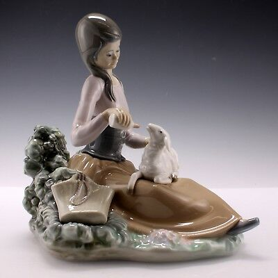Vintage Lladro Little Bo Peep Girl Feeding Lamb Porcelain Figurine 1312