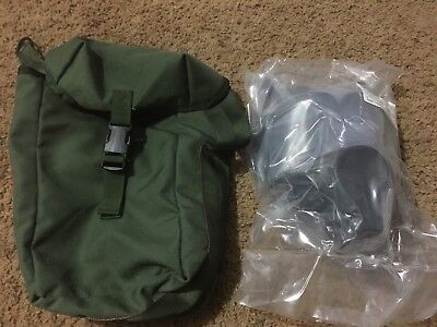 US Military M40  Gas Mask New In The Plastic SIZE MED