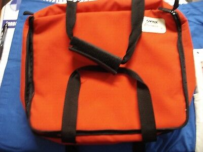 """Pyrex Portables The Way To Go Red Insulated Carry Bag 13"""" x 11"""" x 3.5"""" Lot Of 2"""