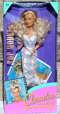 Top Model Sindy Claudia Schiffer Blond Doll Bilingual Box Hasbro 18539 Nrfb 1995