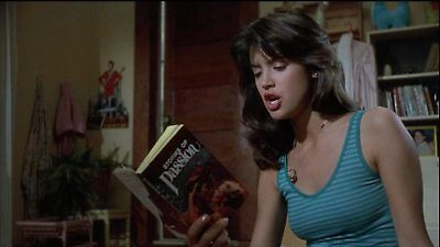 GLOSSY PHOTO PICTURE 8x10 Phoebe Cates Reading A Book