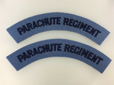 Pair of Britain/British Army WWII 'Parachute Regiment' cloth shoulder title