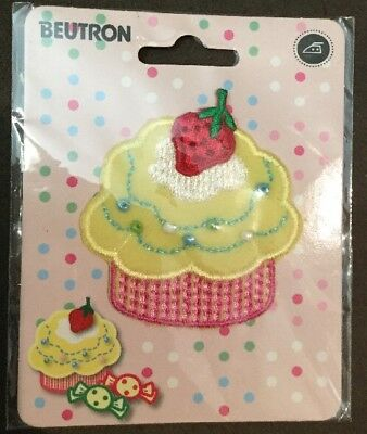 Beutron Iron On Motif Strawberry Cup Cake