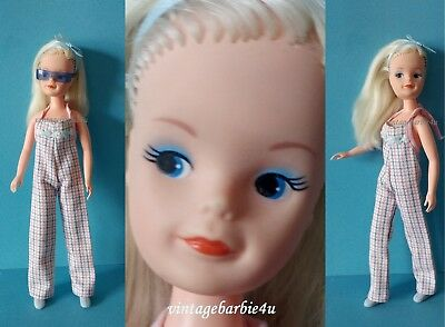Vintage Sindy Doll Platinum Blonde Side Part Pedigree 1986 Dressed w/ Sunglasses