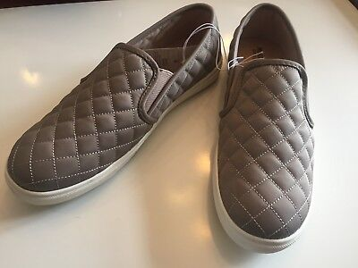 2370ddcbfc4 Mossimo Supply Women s Quilted Reese Taupe Sneakers Size 9.5 Slip On Shoes
