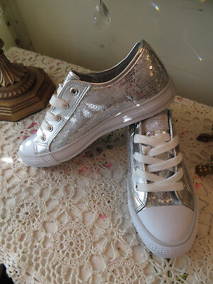 Gotta Flurt Women s Silver Sequence With White Sneakers Shoes Size 7 New 9b8de4551
