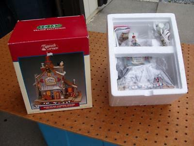 2002 Lemax Christmas Village Plymouth Corners The Crows Nest Brand New Nib