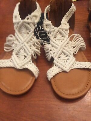 3e2fb1d7461 NEW Stevies Girls  Mad Love Hangtight Crochet Braided Sandals Cream Size 4