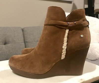 3a3b7e162aa UGG Alexandria Antonia Wedge Chestnut Suede Shearling Ankle Booties Boots  Sz 8