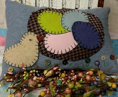 Primitive stitchery Easter chick pillow with eggs