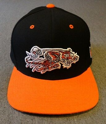 30b6a7a4e Mitchell   Ness NFL Vintage Collection Cincinnati Bengals 1968-69 Logo  Snapback